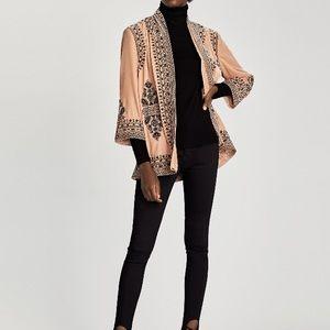 Gorgeous velvet feel embroidered kimono size med